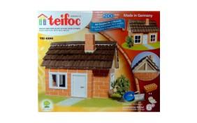Дом с деревянной черепицей Teifoc